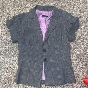 Suzy Shier 5/6 Grey Short Sleeve Blazer